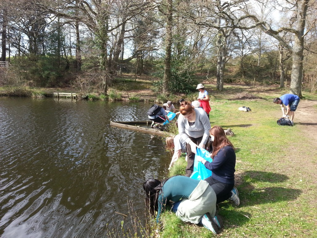 The Stage 3 group filling up their buckets with water at the pond